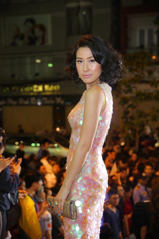 Hoang Yen lan at Pham Huong, Truong Ngoc Anh dem chung ket Next Top Model 2017 hinh anh 10