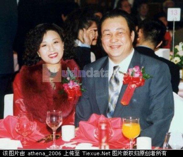 'Bao Cong' Kim Sieu Quan viet di chuc cam vo cuoi trai tre hinh anh 6