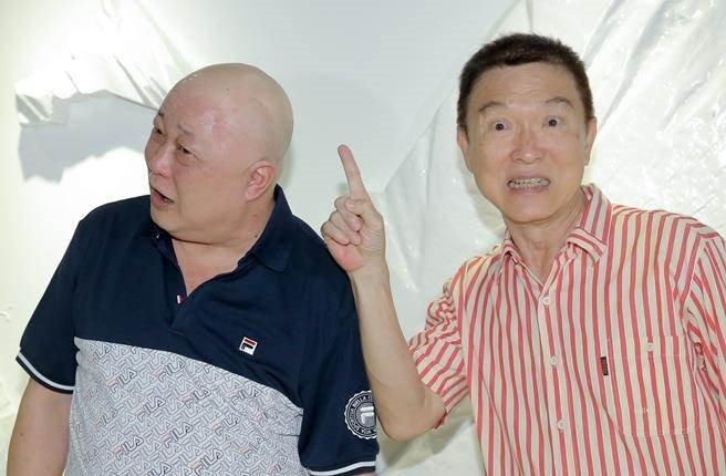 'Bao Cong' Kim Sieu Quan viet di chuc cam vo cuoi trai tre hinh anh 2