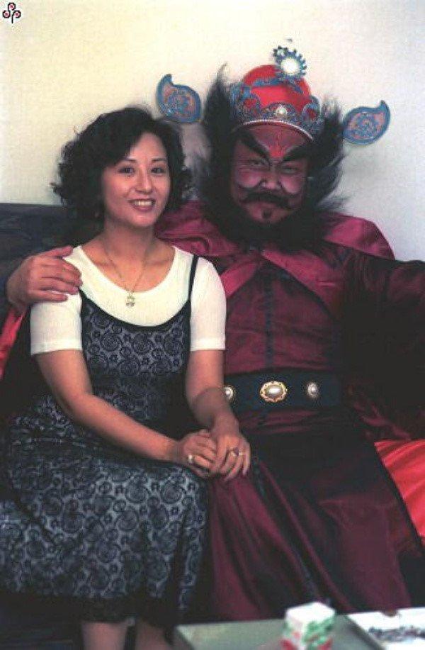 'Bao Cong' Kim Sieu Quan viet di chuc cam vo cuoi trai tre hinh anh 5