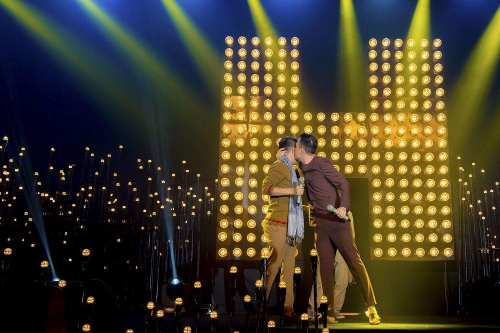 Kim Ly - Ha Ho hoi ngo vo chong Tran Thanh trong 'da tiec sinh nhat' cua Mr Dam hinh anh 10