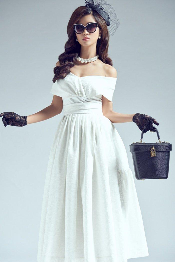 Kim Tuyen sexy nhung khong kem phan sang trong voi phong cach co dien hinh anh 2
