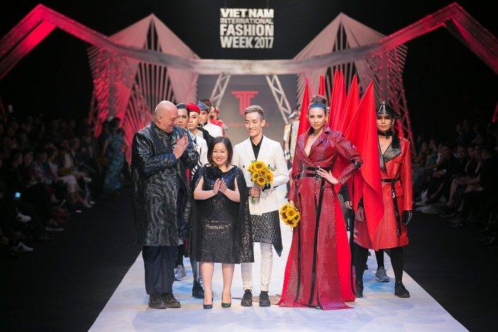 Diem lai nhung man catwalk 'than sau' tai Tuan le thoi trang Quoc te 2017 hinh anh 3