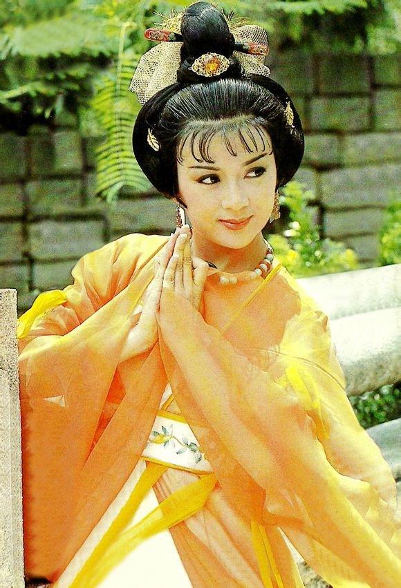 So phan bi kich cua 'Tay Thi dep nhat Trung Quoc': Hai doi chong, bi tuoc quyen nuoi con vi tram cam hinh anh 1
