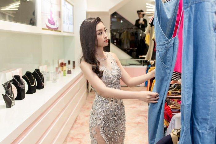 Do My Linh rang ro hoi ngo MC Phan Anh sau mot ngay tro ve tu Miss World hinh anh 7