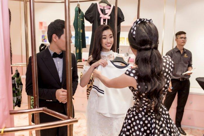 Do My Linh rang ro hoi ngo MC Phan Anh sau mot ngay tro ve tu Miss World hinh anh 9