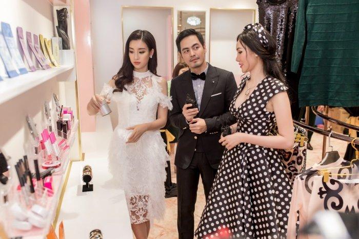 Do My Linh rang ro hoi ngo MC Phan Anh sau mot ngay tro ve tu Miss World hinh anh 10
