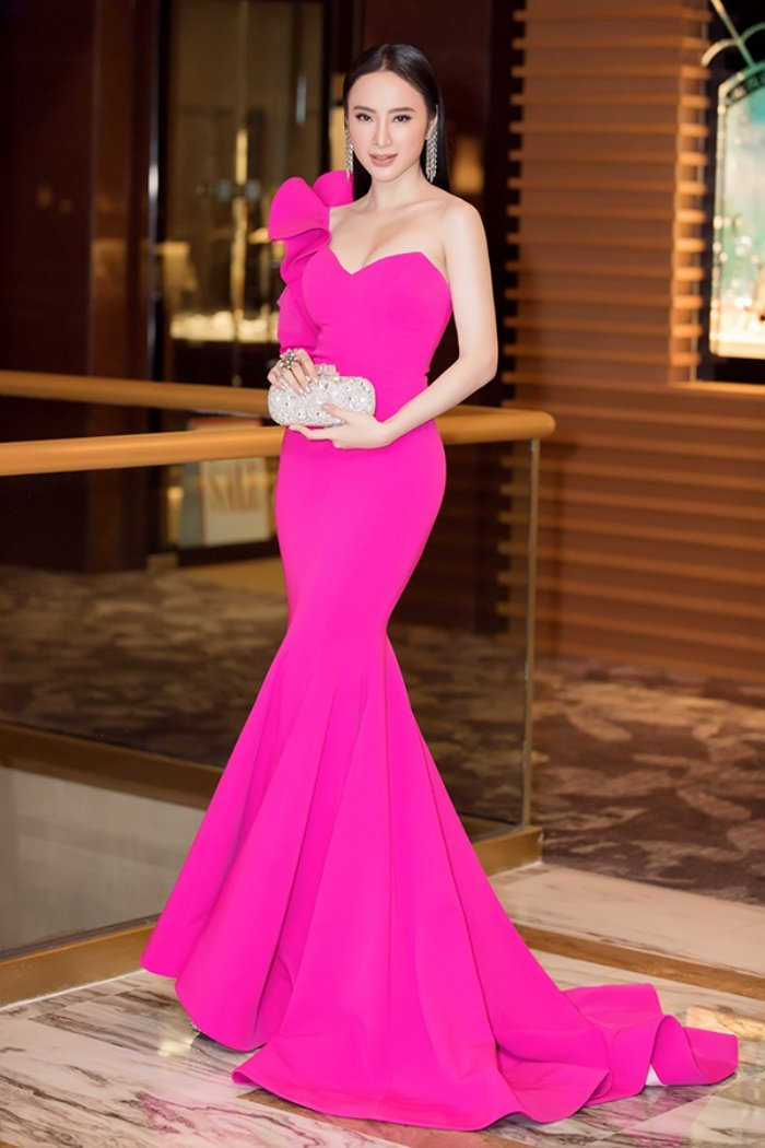 Angela Phuong Trinh hoi ngo nam dien vien dinh dam TVB Au Duong Chan Hoa hinh anh 1