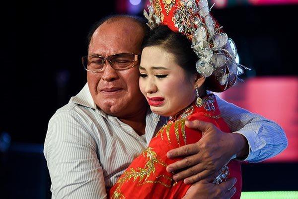 Duy Phuong: 'Toi khong thay ai ben chuong trinh Sau anh hao quang lien lac' hinh anh 2