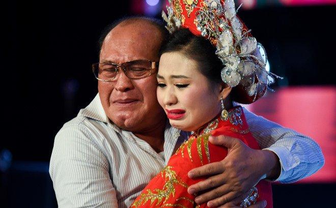 Con gai danh hai Duy Phuong: 'Ca gia dinh muon chet vi khong chiu noi ap luc' hinh anh 1