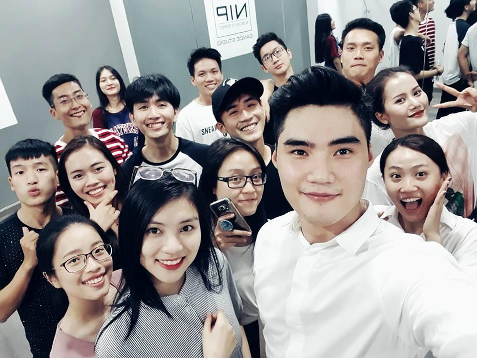 Sau khi chia tay Quynh Chau, Quang Hung cap ke Huong Ly? hinh anh 1