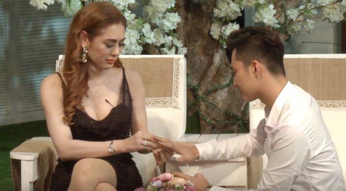 Lam Khanh Chi danh 1 nam chuan bi dam cuoi voi ban trai kem 8 tuoi hinh anh 10