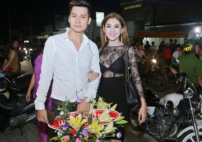 Lam Khanh Chi danh 1 nam chuan bi dam cuoi voi ban trai kem 8 tuoi hinh anh 5
