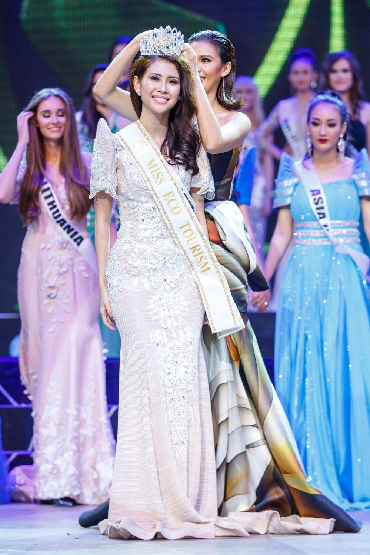 Lien Phuong dang quang A hau 1 Hoa hau Dai su Du lich The gioi 2017 hinh anh 3