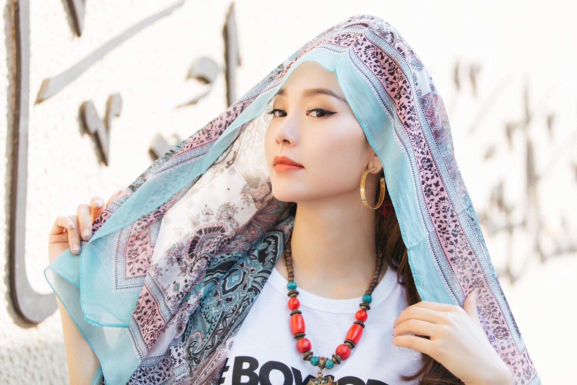 Minh Hang noi gi khi MV moi bi cho la khoi lai lum xum bi Ha Ho chen ep o The Face? hinh anh 2