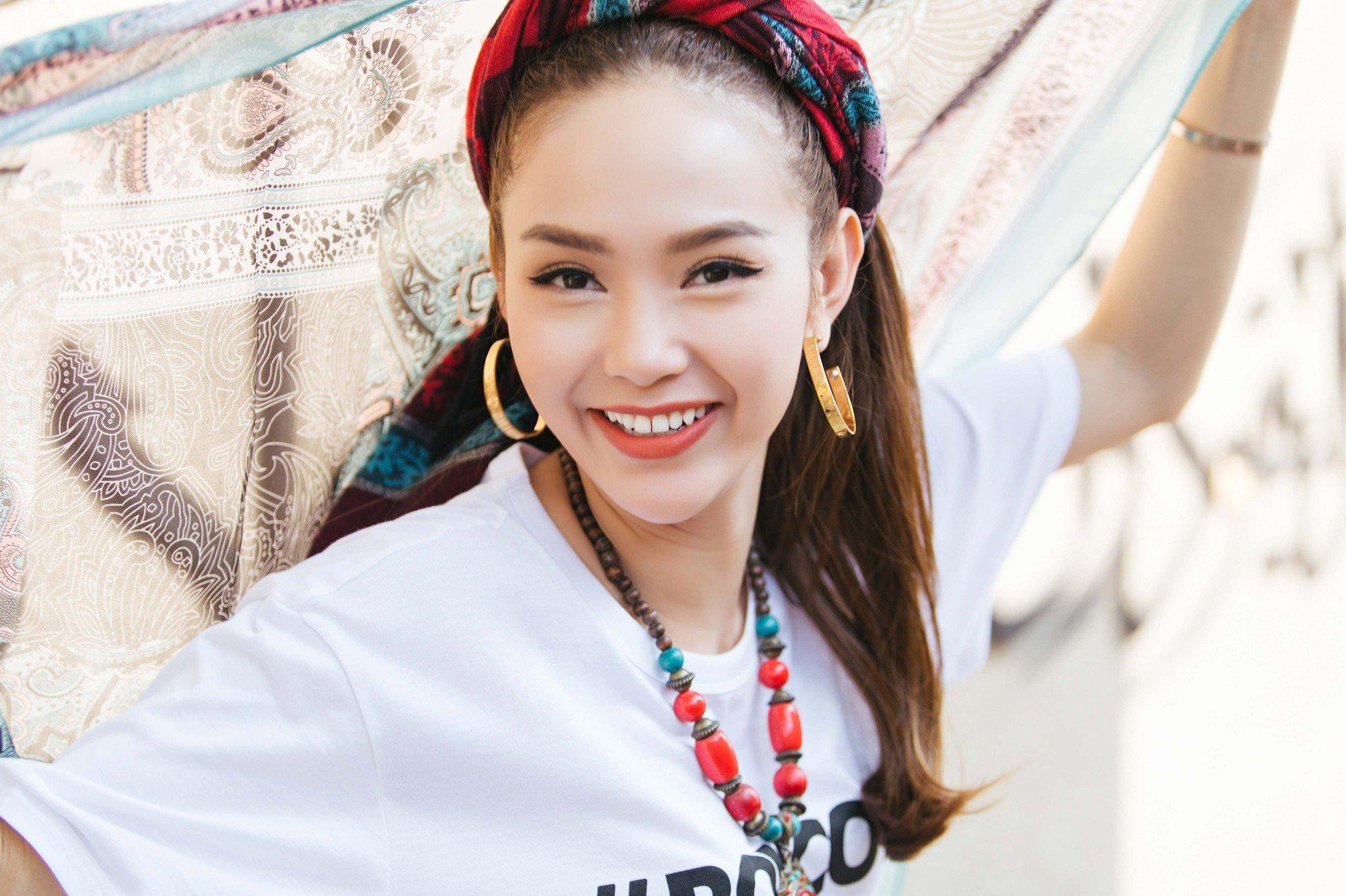 Minh Hang noi gi khi MV moi bi cho la khoi lai lum xum bi Ha Ho chen ep o The Face? hinh anh 1