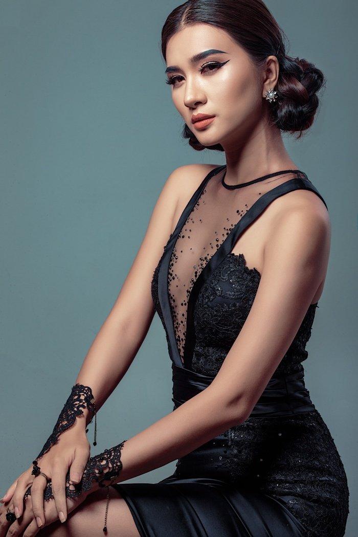 'Gai mot con' Kim Tuyen dien do tam khoe ba vong sexy hinh anh 1