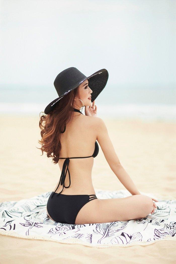 Hoa hau Tuong Linh khoe voc dang 'dong ho cat' cuc sexy voi bikini hinh anh 3
