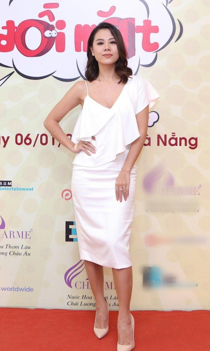 Nha Phuong rang ro den chuc mung Hoai Linh lam liveshow tai que nha hinh anh 7