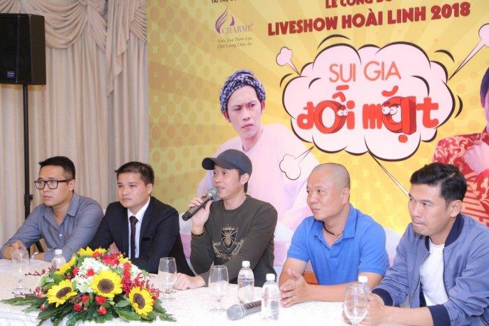 Nha Phuong rang ro den chuc mung Hoai Linh lam liveshow tai que nha hinh anh 9