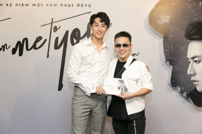 Rocker Nguyen khien fan thich thu khi the hien giong ca ngot ngao hinh anh 2