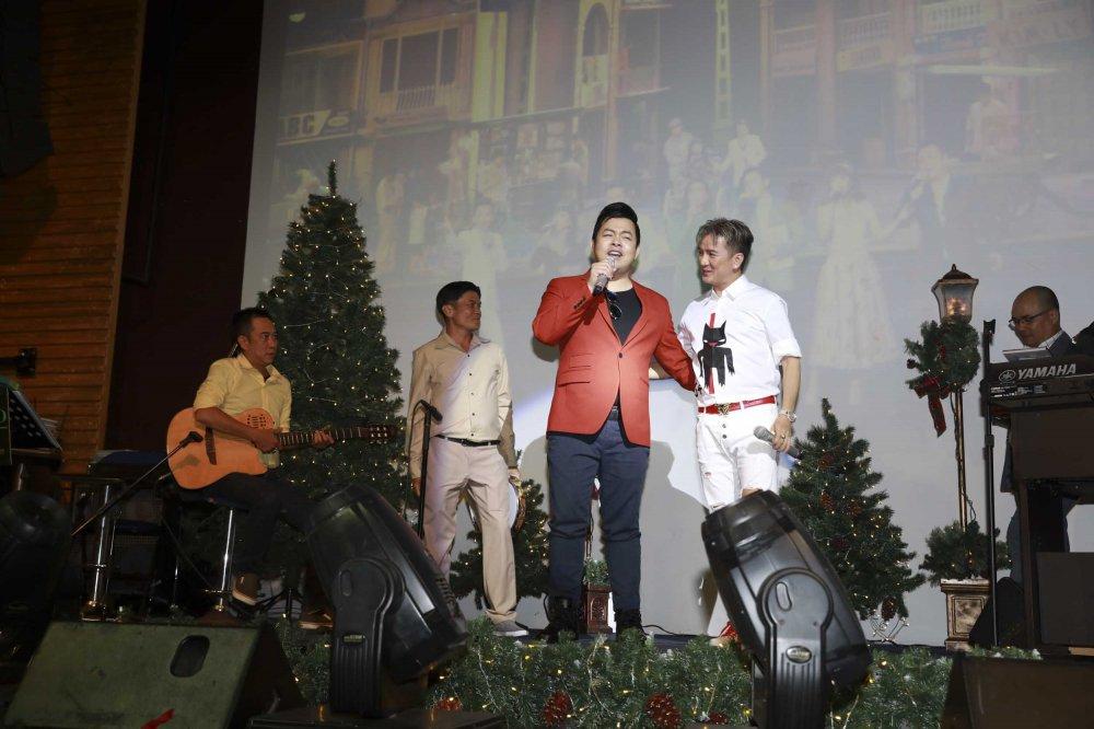Quang Le tinh cam den chuc mung, hat song ca cung Dam Vinh Hung hinh anh 5