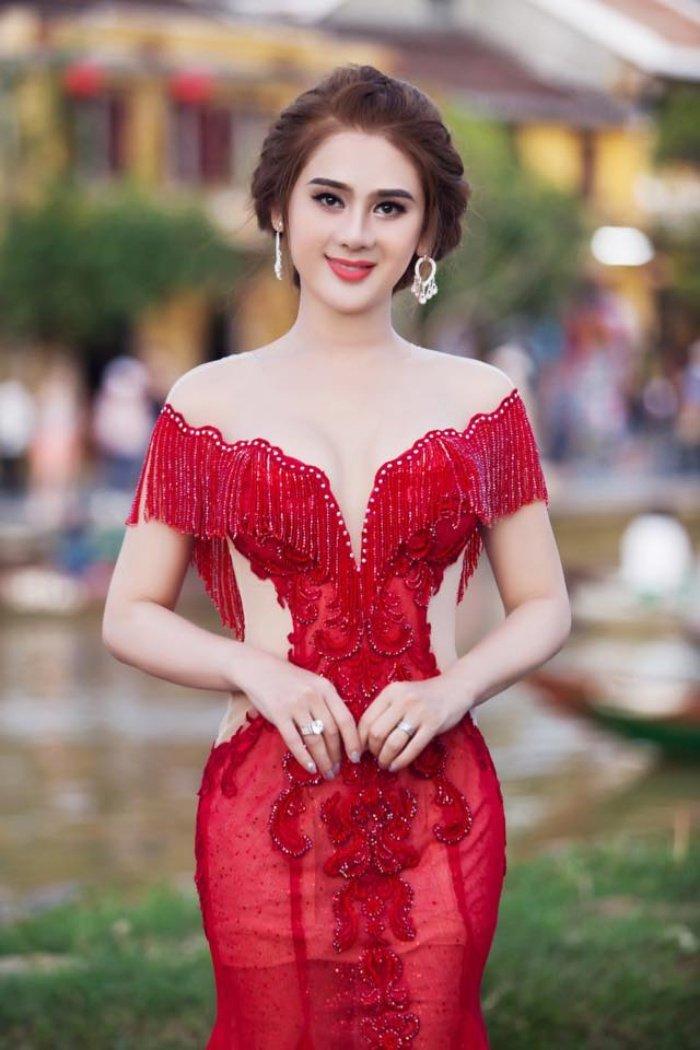 Lam Khanh Chi chuan bi cho 'Dam cuoi the ky' hoanh trang the nao? hinh anh 5