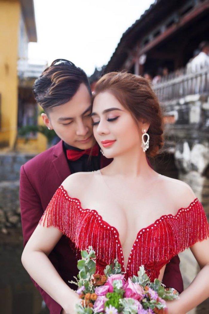 Lam Khanh Chi chuan bi cho 'Dam cuoi the ky' hoanh trang the nao? hinh anh 2