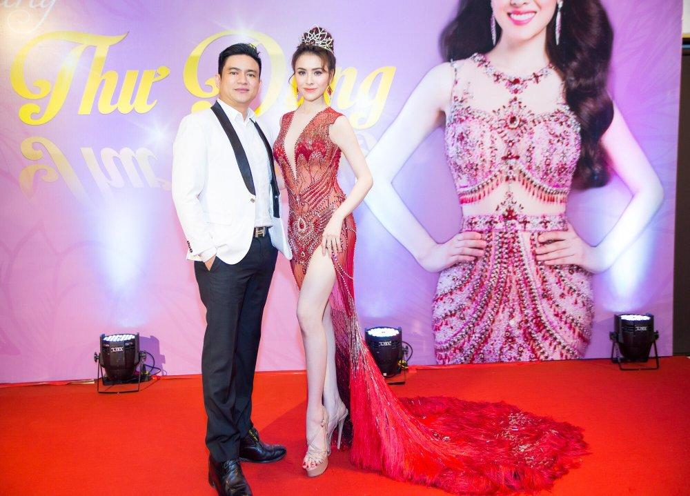 Angela Phuong Trinh lien tuc ne tranh khi cham mat tinh cu Chiem Quoc Thai hinh anh 3
