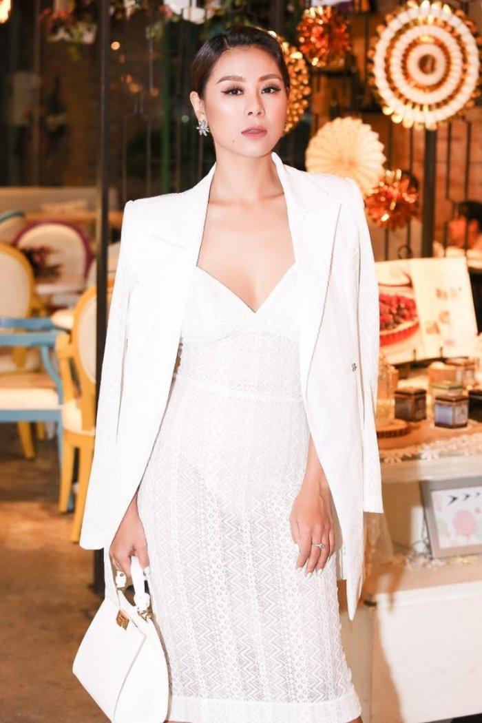 'Kieu nu' Nam Thu: My nhan sexy nhat lang hai Viet hinh anh 6