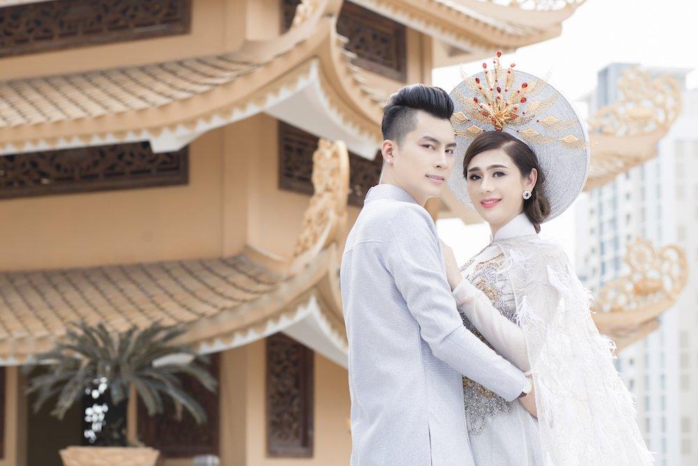 Lam Khanh Chi dien ao long trang muot, tinh tu ben chong tre hinh anh 7