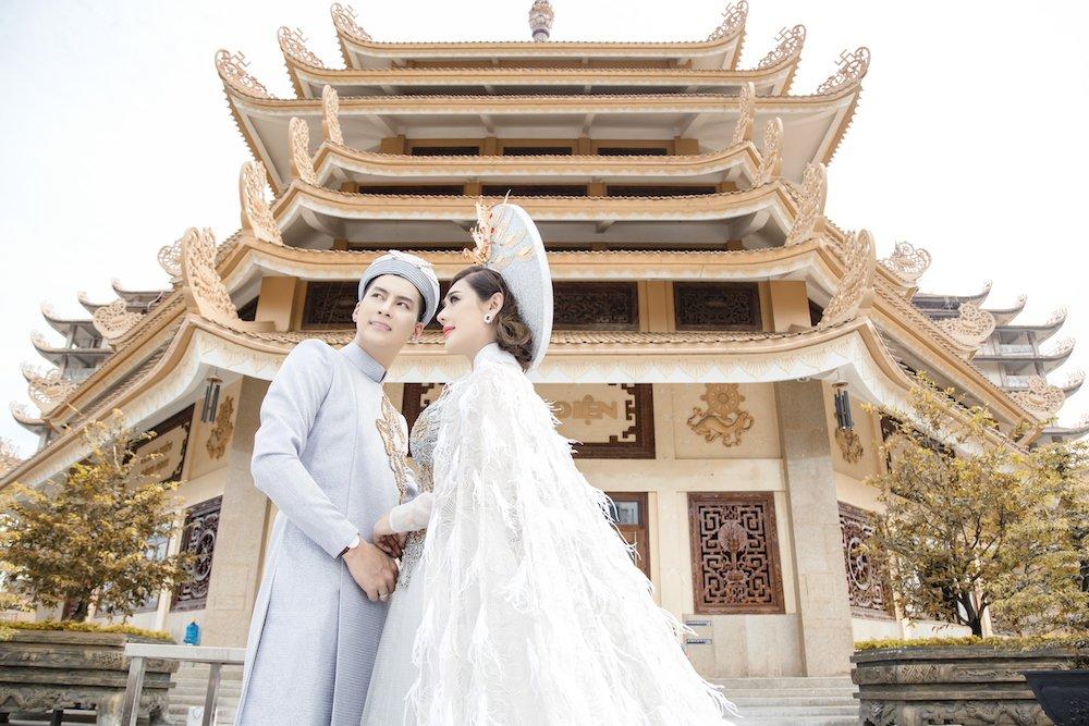 Lam Khanh Chi dien ao long trang muot, tinh tu ben chong tre hinh anh 10