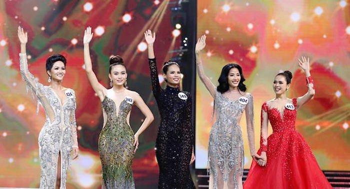 Bon thi sinh Next Top lot Top 5 Hoa hau Hoan vu Viet Nam 2017 hinh anh 1