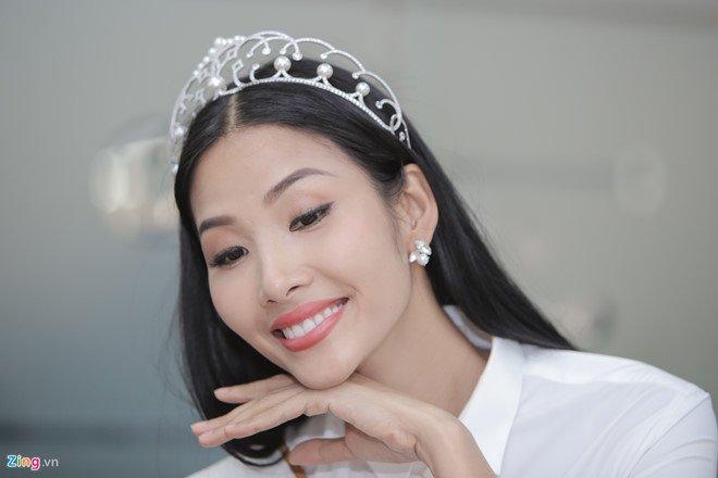 Hoang Thuy: 'Toi, Mau Thuy hay H'Hen Nie deu phu hop lam Hoa hau' hinh anh 3