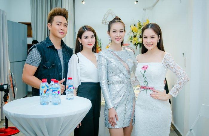 Kim Tuyen, Thanh Truc goi cam den chuc mung Diep Bao Ngoc len chuc ba chu hinh anh 6