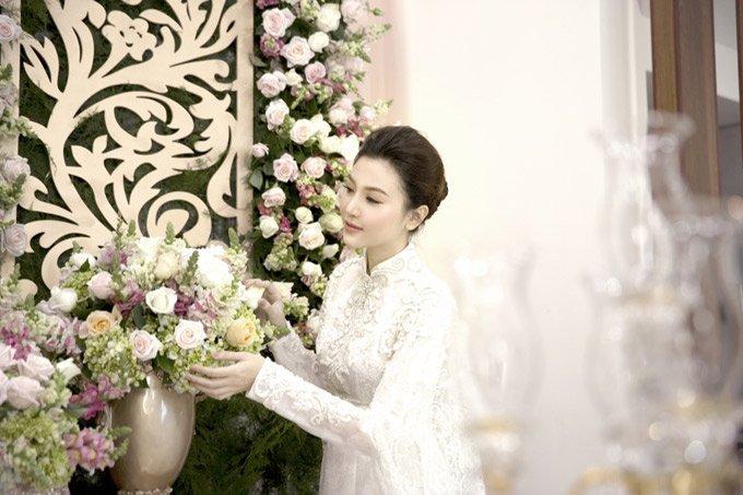 Ngoc Duyen deo day vang trong dam cuoi voi chong dai gia tai Vung Tau hinh anh 2