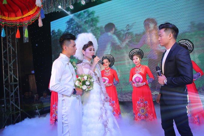 Lam Khanh Chi lay nuoc mat khan gia voi ca khuc moi, lan dau trinh bay trong dam cuoi the ky hinh anh 1