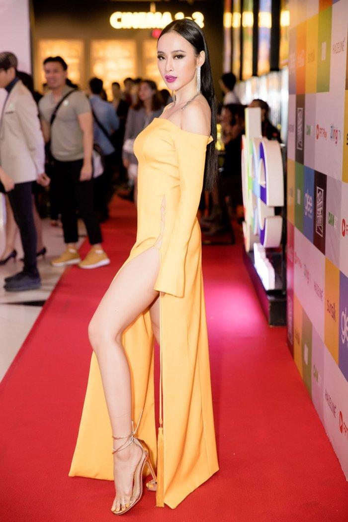 Angela Phuong Trinh goi cam voi vay 'quen noi y' tao bao hinh anh 11