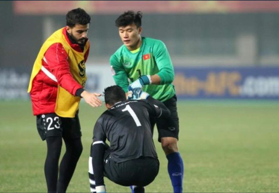 U23 Viet Nam vao ban ket, Angela Phuong Trinh bat ngo to tinh voi thu mon dien trai hinh anh 2
