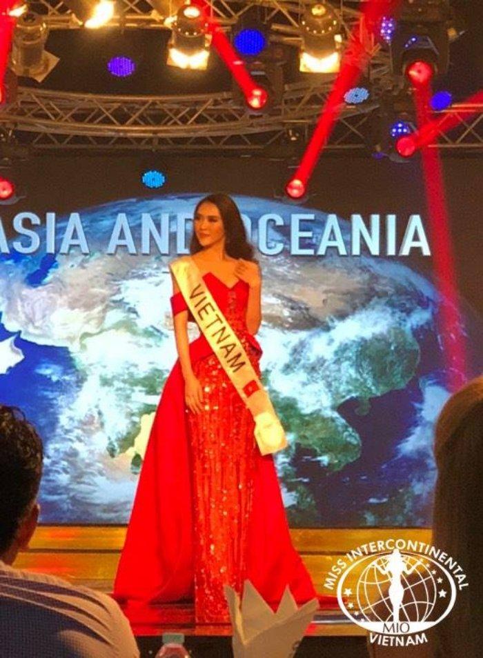 Tuong Linh doat giai 'Hoa hau duoc yeu thich nhat' tai Miss Intercontinental 2017 hinh anh 1