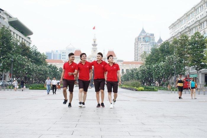 Nhom Vmusic co vu het minh cho doi tuyen bong da U23 Viet Nam hinh anh 5