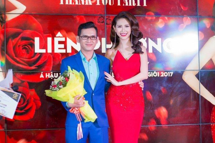 A hau Lien Phuong rang ro, dien vay khoet nguc do dang ben Nguyen Thi Thanh hinh anh 6