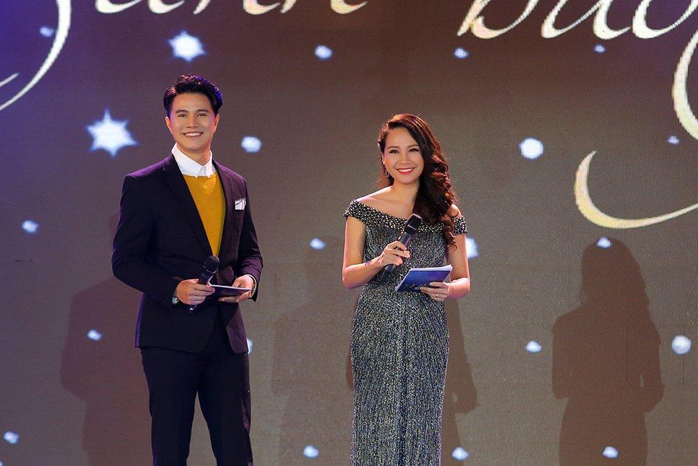 Thu Minh, Hong Nhung, Vu Manh Cuong miet mai chay show dip cuoi nam hinh anh 5