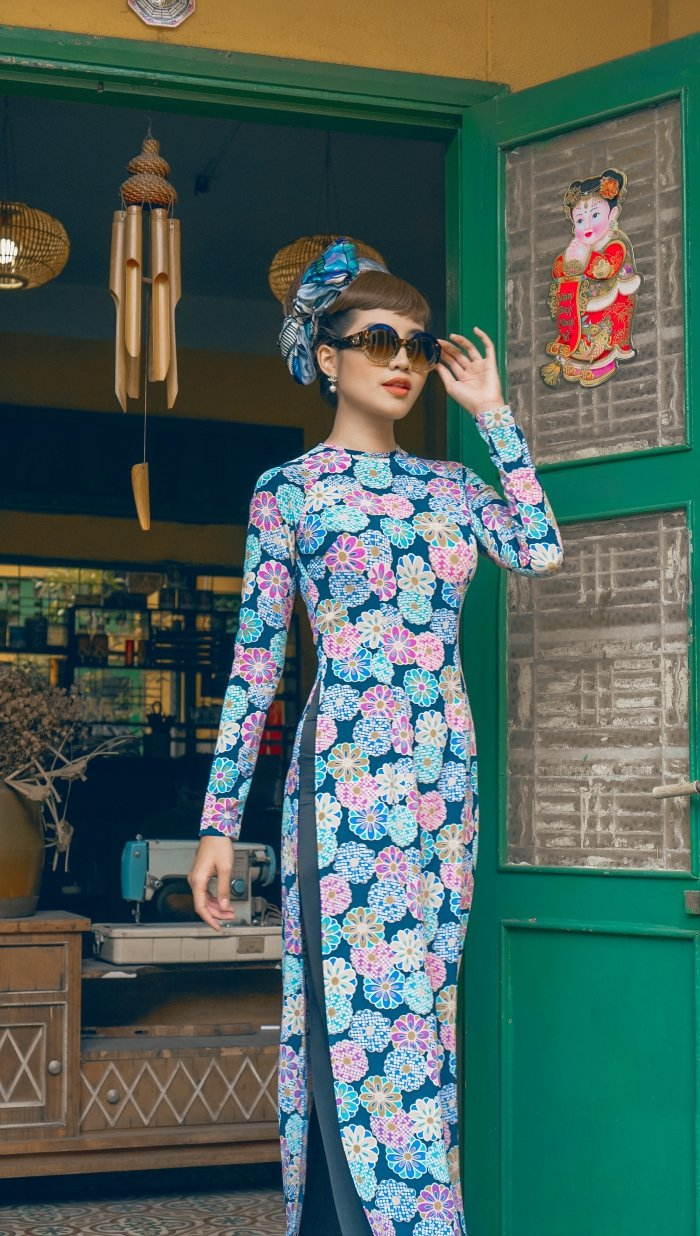 Hoa hau bien Ninh Hoang Ngan ruc ro, diu dang voi ao dai cach tan hinh anh 9