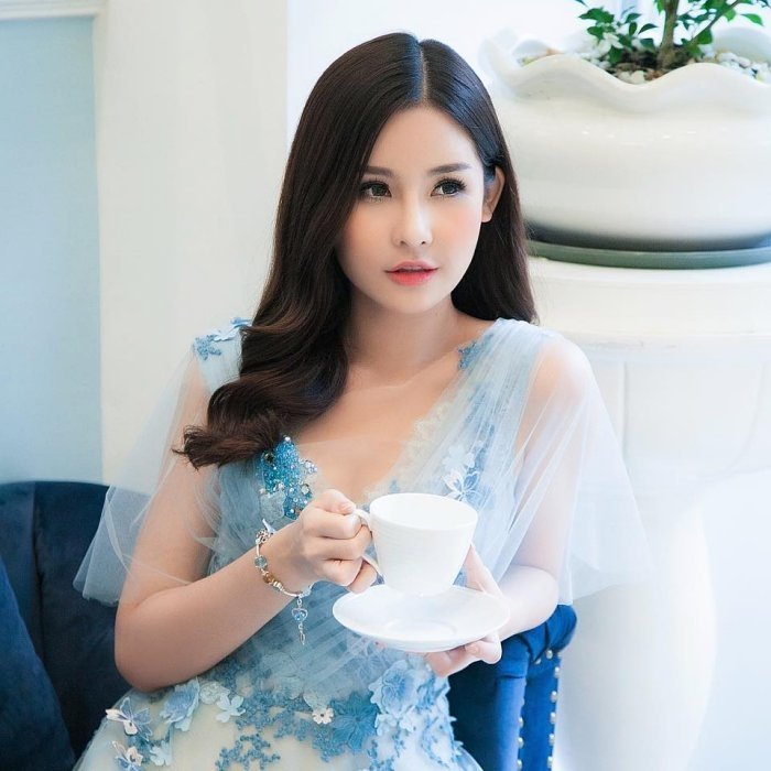 Nhan sac bien doi khon luong cua Hoa hau Dai duong Ngan Anh hinh anh 5