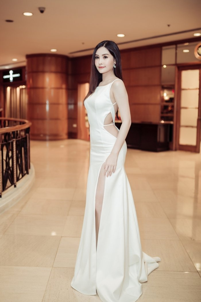 Nhan sac bien doi khon luong cua Hoa hau Dai duong Ngan Anh hinh anh 10