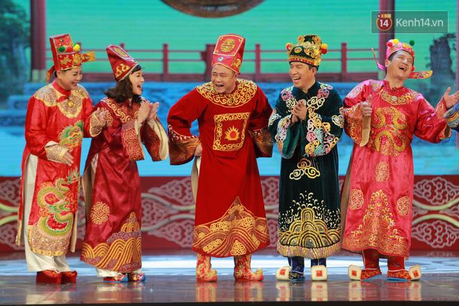Chum anh dep: Can canh dan nghe si tren san khau hoanh trang cua Tao Quan 2018 hinh anh 6