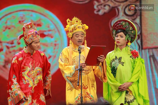 Chum anh dep: Can canh dan nghe si tren san khau hoanh trang cua Tao Quan 2018 hinh anh 11