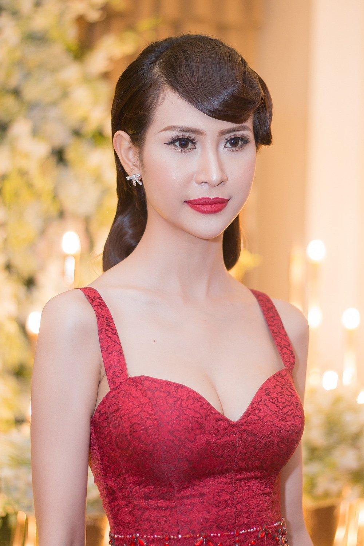 Nhat Kim Anh do nhan sac sexy cung Hoa hau Hang Nguyen, A hau Lien Phuong hinh anh 9