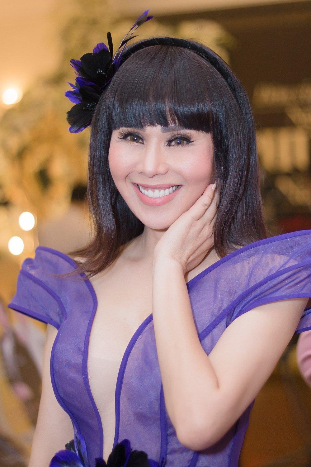 Nhat Kim Anh do nhan sac sexy cung Hoa hau Hang Nguyen, A hau Lien Phuong hinh anh 7